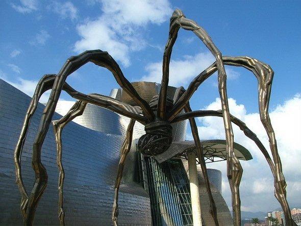 Giant Spider in Bilbao, Spain