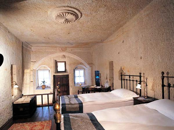 Dormir dans une grotte en Turquie