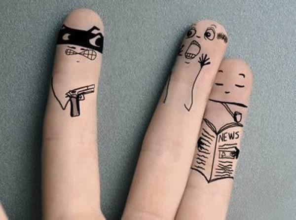 Des dessins sur les doigts