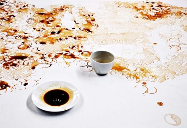 hong yi et ses taches de caf. Black Bedroom Furniture Sets. Home Design Ideas