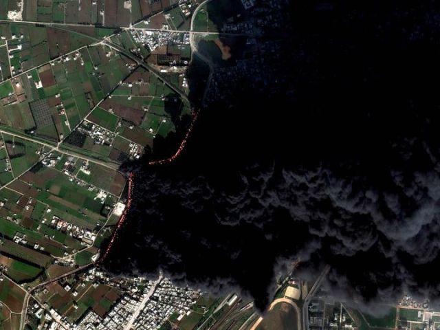 Homs en Syrie - feu de pipeline