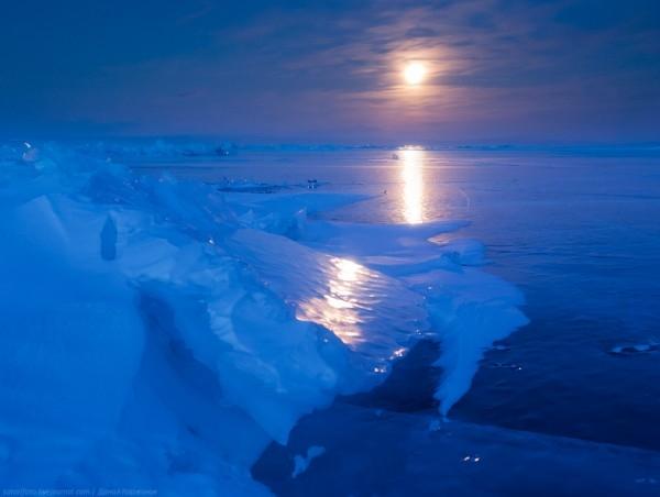 lac Baikal gele wikilins 13 Le lac Baïkal gelé par Daniel Korzhonov