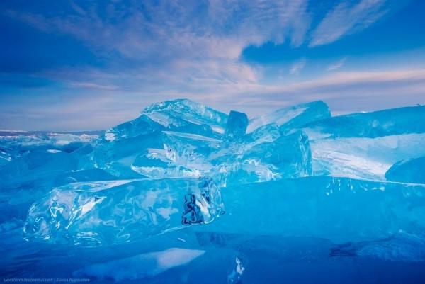 lac Baikal gele wikilins 14 Le lac Baïkal gelé par Daniel Korzhonov