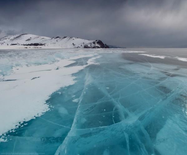 lac Baikal gele wikilins 15 Le lac Baïkal gelé par Daniel Korzhonov
