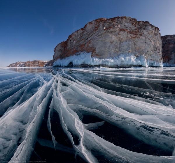 lac Baikal gele wikilins 16 Le lac Baïkal gelé par Daniel Korzhonov