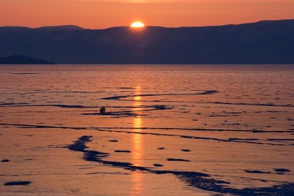 lac Baikal gele wikilins 3 Le lac Baïkal gelé par Daniel Korzhonov