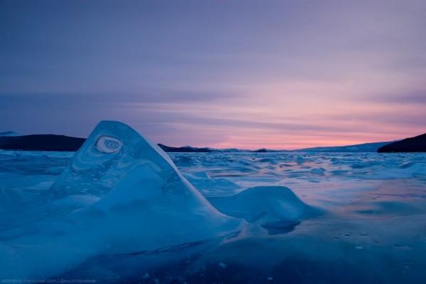 lac Baikal gele wikilins 4 Le lac Baïkal gelé par Daniel Korzhonov