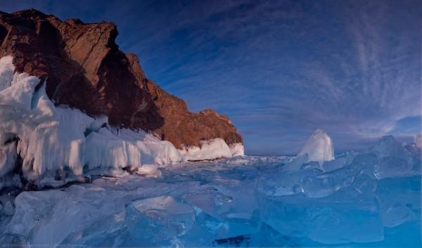 lac Baikal gele wikilins 5 Le lac Baïkal gelé par Daniel Korzhonov
