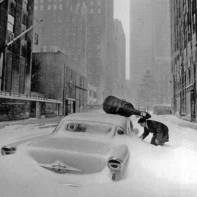 Robert-Doisneau-Neige-à-New-York-Maurice-Baquet-en-1960