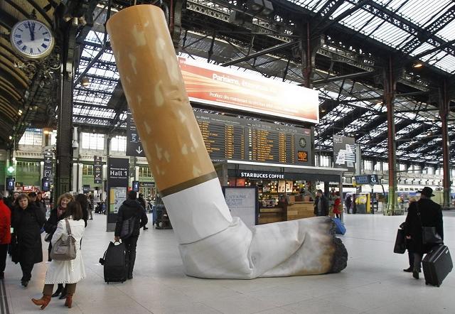 Cigarette geante gare de Lyon