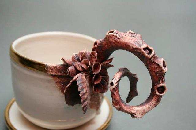 Mary O'Malley - La vie aquatique dans des objets en porcelaine
