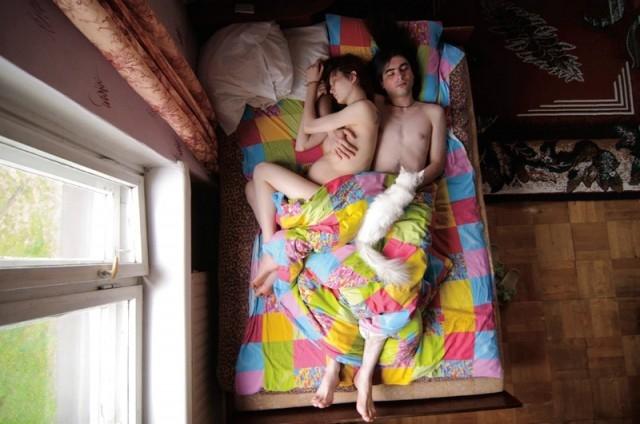 evolution-grossesse-enceinte-couple-nuit-13
