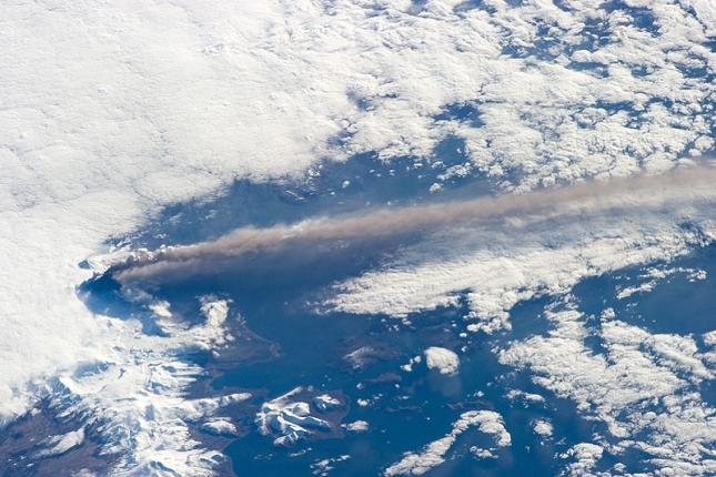 Pavlof- Alaska-photo-sat-volcan