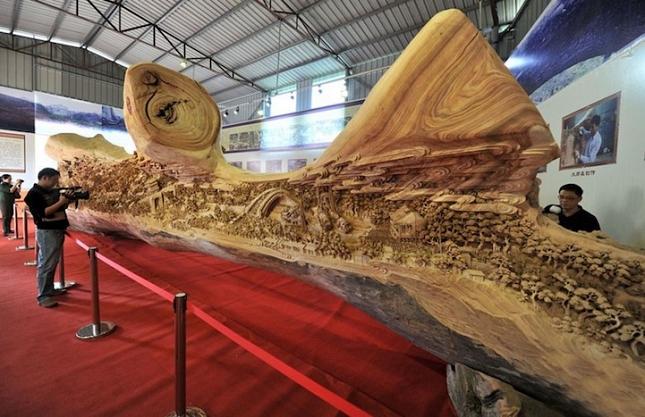 Sculpture-tronc-reccord-monde-1