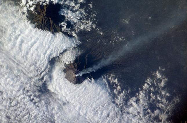 eruption-volcan-photo-Merapi-Indonesie-