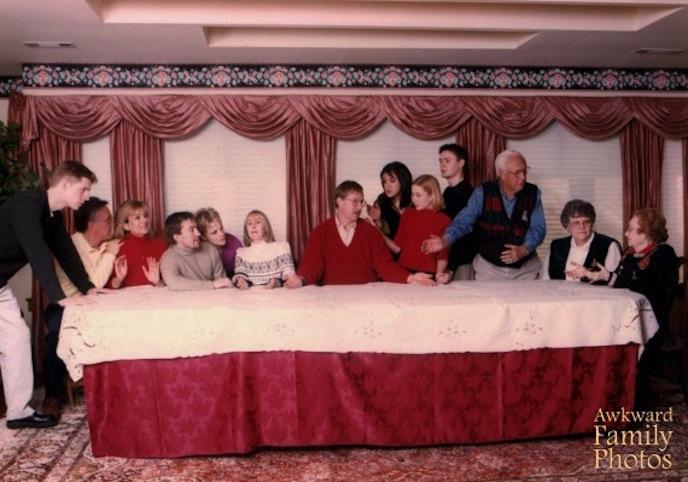 la Cène Le pire des photos de famille pour noël