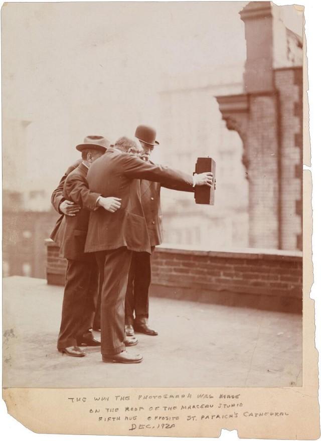 Le premier Selfie de l'histoire en 1920