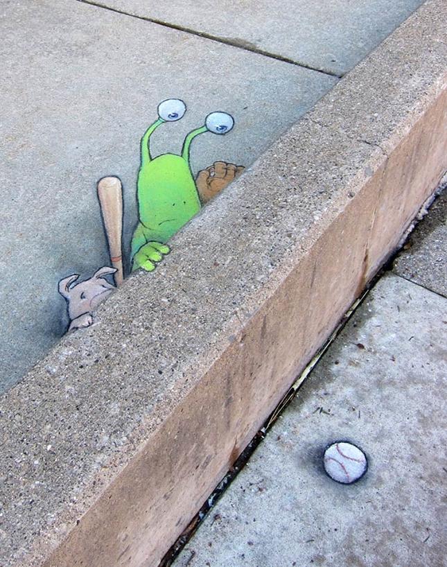 creature-crayon-street-art-1
