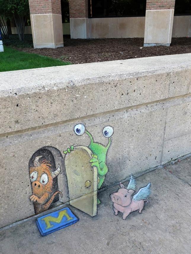 creature-crayon-street-art-30