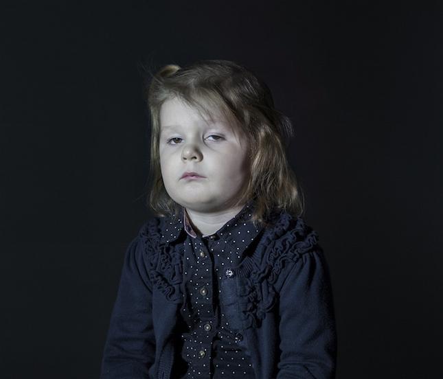 enfant-ecran-de-television-4