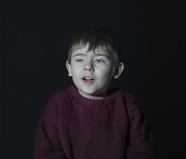 enfant-ecran-de-television-5