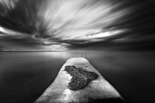 Photographies minimalistes en noir et blanc par vassilis for Art minimaliste noir et blanc