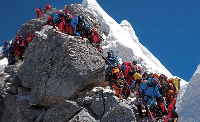 Ascension du mont Everest, au Népal - realité