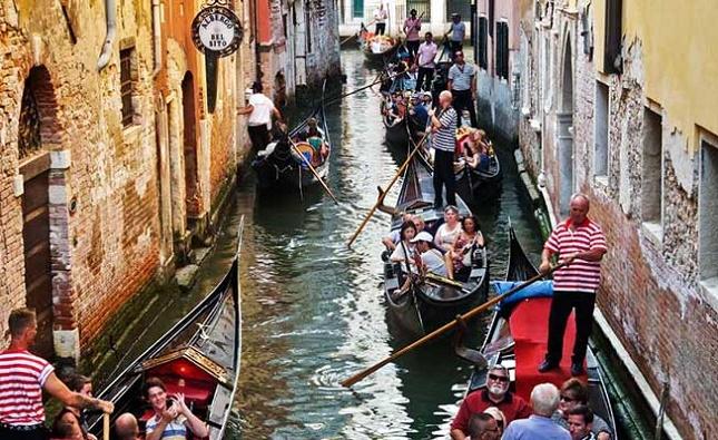 paisible balade en gondole à Venise, Italie- realite