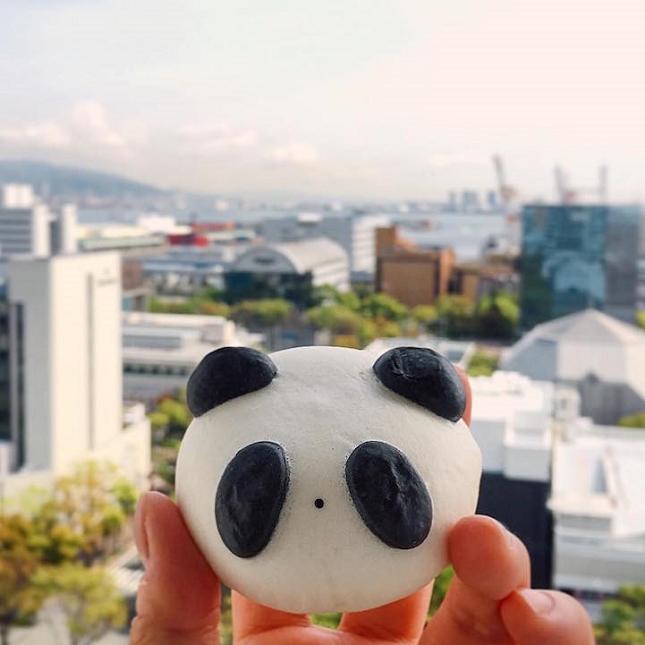 Panda bun rempli de haricots rouges à Hyogo, au Japon.