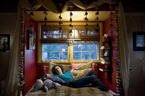 fille et sa chambre