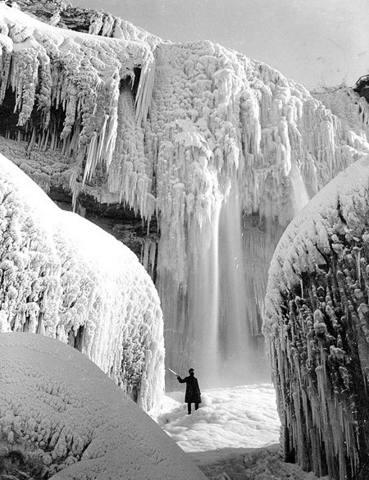 chutes du Niagara gelées