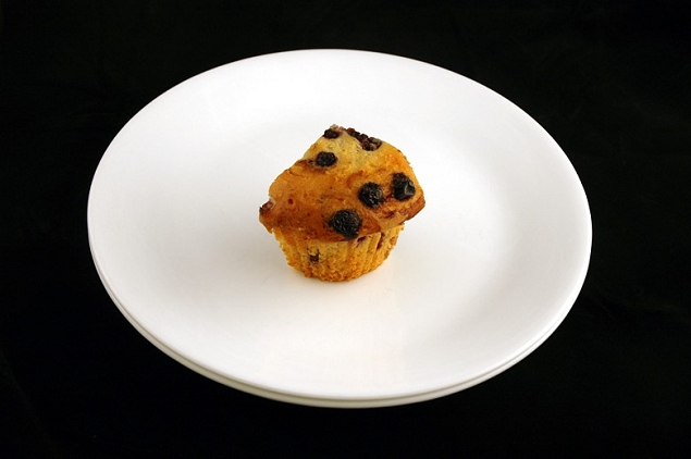 Blueberry Muffin 72 grammes = 200 calories
