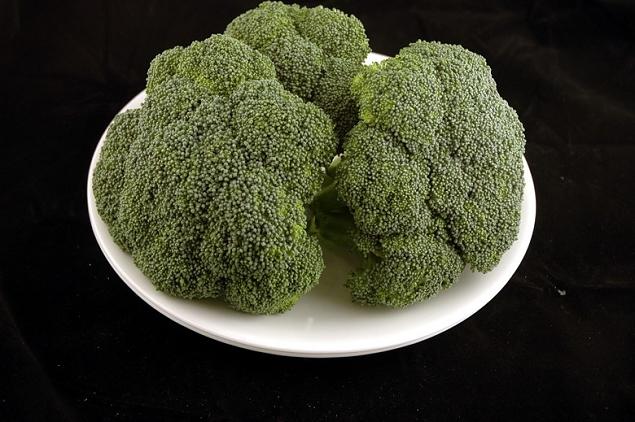 Brocoli 588 grammes=200 calories