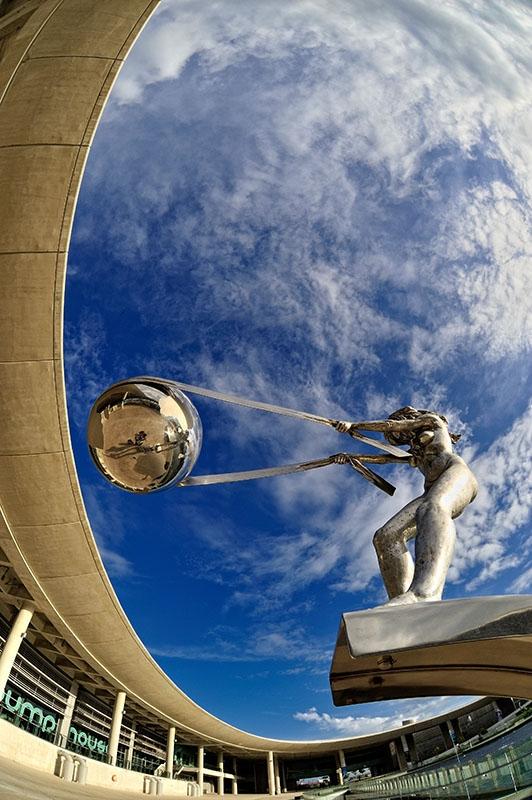 Sculptures qui défient les lois de la gravité