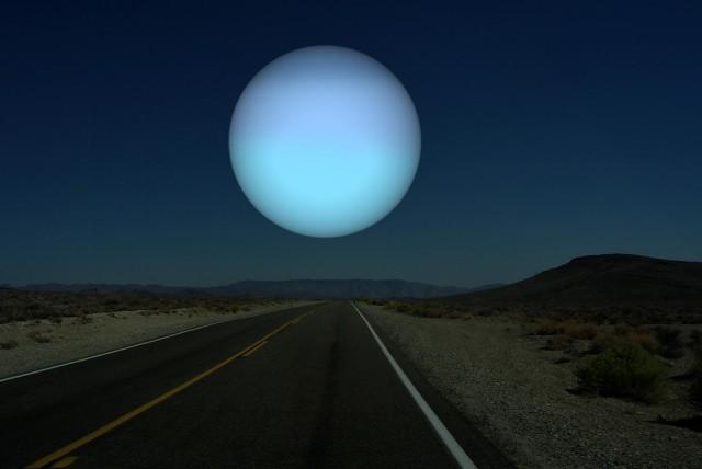 Uranus-a-la-place-de-la-Lune