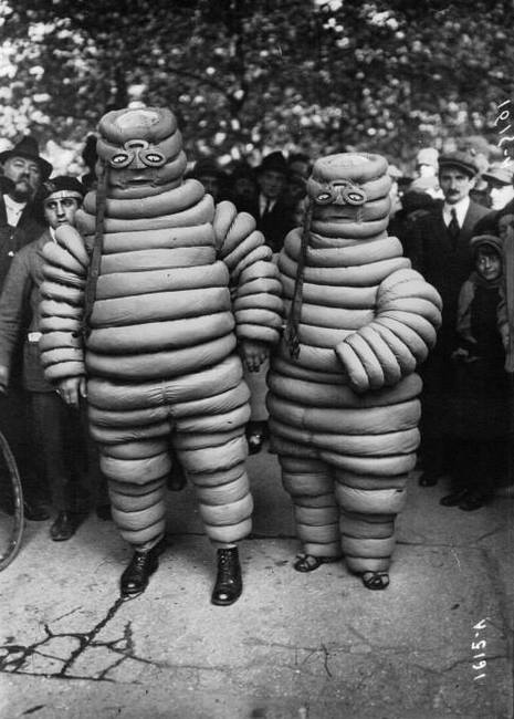 Costumes Michelin en 1920