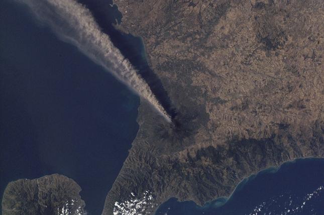 Etna-Italie-eruption-image-