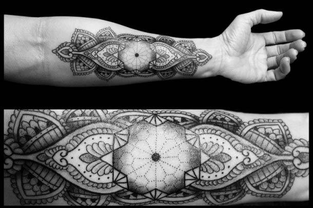 Tatouage-geometrique-pointilllisme-2