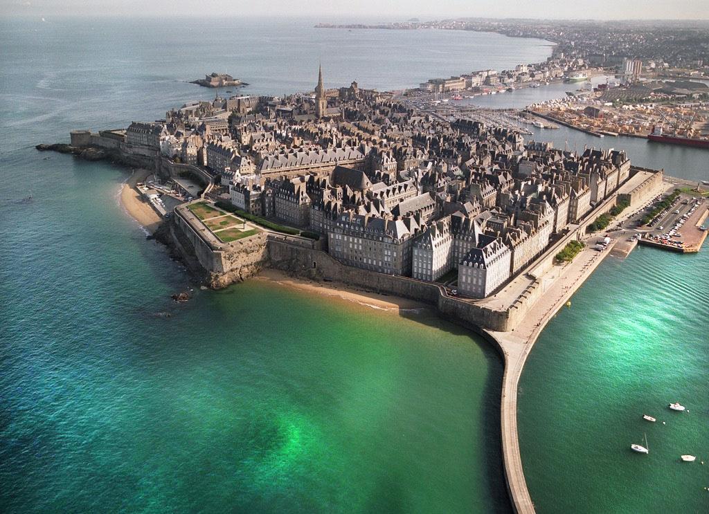 ville vue du ciel - St-Malo