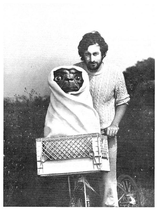 Steven Spielberg avec E.T en 1982