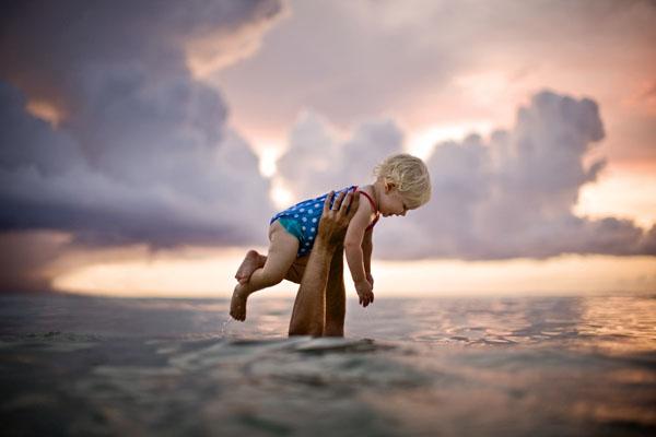Enfant hors de l'eau par Jim Erickson