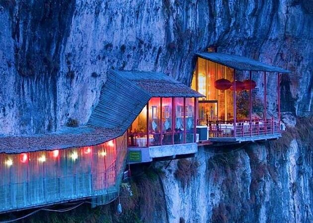 Restaurant-insolite-Fangweng, Yichang, Chine