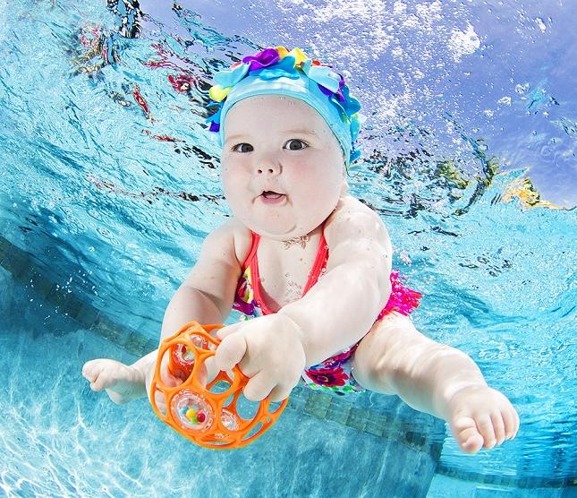 cours-natation-BEBE-piscine-enfant-danger-11