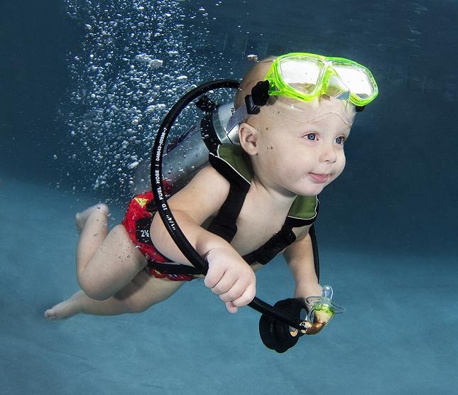 cours-natation-BEBE-piscine-enfant-danger-2