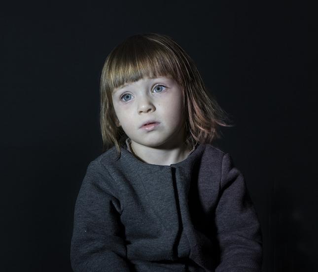 enfant-ecran-de-television-6