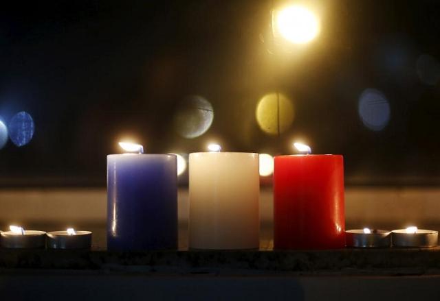 Bougie - Hommage attentat 13 novembre 2015 Paris