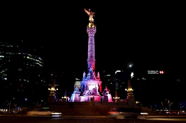 Colonne de l'indépendance Mexico - Hommage attentat 13 novembre 2015 Paris