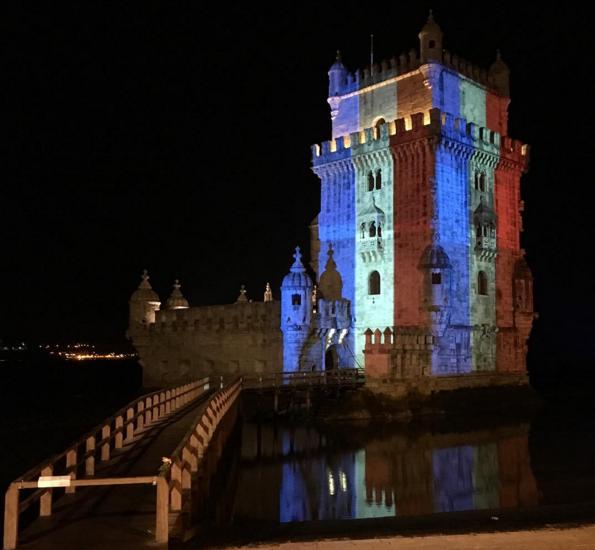 Tour de Belém -  Lisbonne - hommage attentat 13 novembre 2015 Paris