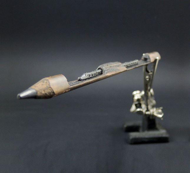 Sculpture-mine-crayon-Jasenko-Ðordevic-4