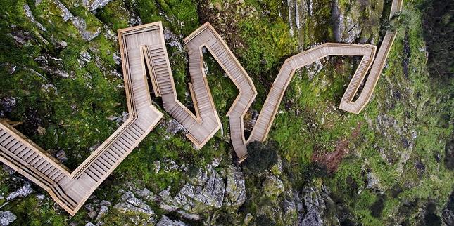 excurtion -Portugal-passerelle en bois-1
